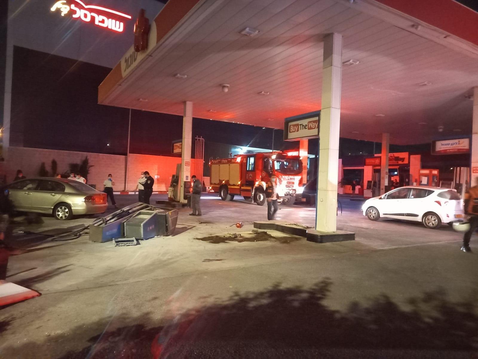 רכב התנגש במשאבת דלק בנס לא היו נפגעים