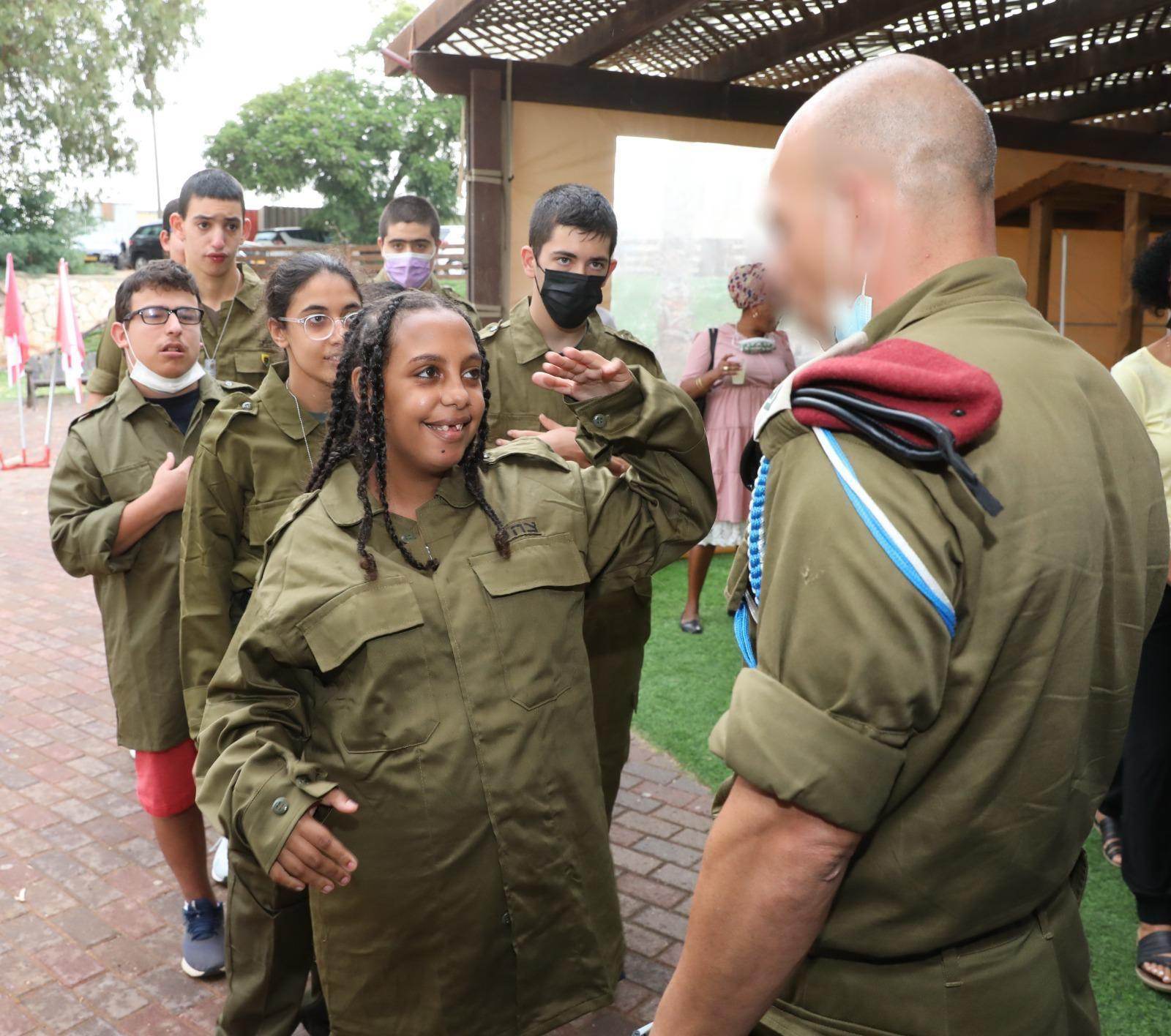 """תלמידי בית הספר לחינוך מיוחד """"סאלד"""" בכפר סבא התגייסו לקומנדו"""
